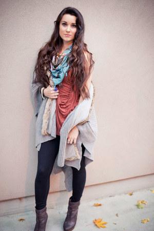 bird print hinge scarf - leather Michael Kors boots - spandex Zella leggings