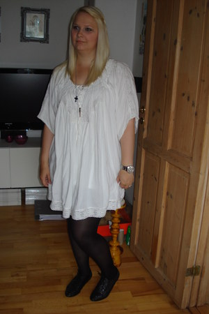 black H&M shoes - white GINA TRICOT dress