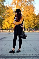 black wool Stradivarius hat - ruby red checkered no name scarf
