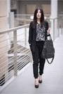 Black-new-look-blazer-dark-brown-vero-moda-shirt-black-moodo-pants