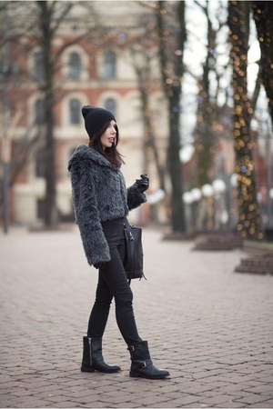 black H&M boots - gray no name coat - black Zara bag