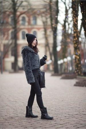 black H&M boots - gray no name coat - black Zara bag