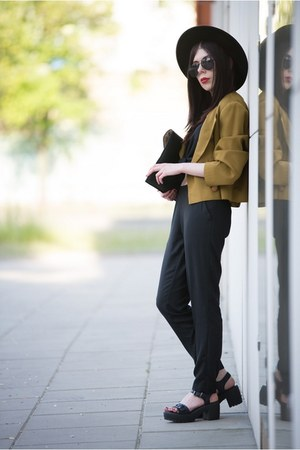 black wool H&M hat - mustard no name jacket - black H&M shirt