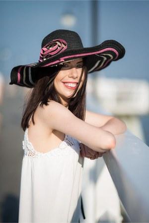 black sun hat Colloseum hat - white vintage dress no name dress