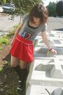Red-f21-skirt-gray-f21-t-shirt-black-target-socks-black-aldo-shoes