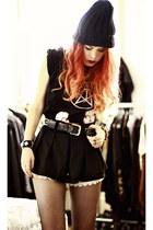 black Hot Topic hat - black belt
