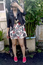 Black-jacket-beige-dress-black-necklace-red-shoes