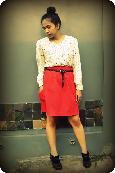 Gaudi skirt - The Bridge belt - Brings Back blouse - Underground wedges