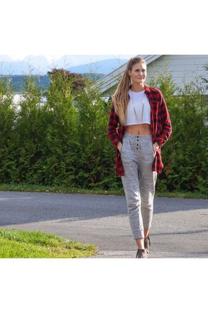 ruby red checkered Only shirt - white crop top H&M shirt