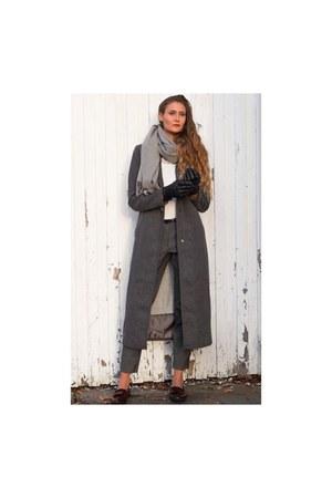 charcoal gray maxi Vero Moda coat - heather gray elegant Cambio pants