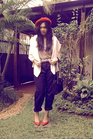 Sinequanone hat - Zara blazer - Gap t-shirt - Prada purse - Mango shoes - Mango