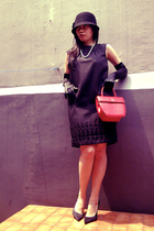 Zara dress - Forever 21 hat - guess by marciano gloves - aigner purse - guess by