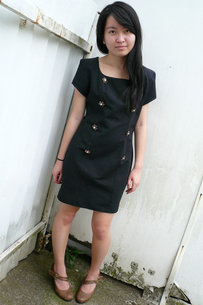 black vintage dress - brown shoes