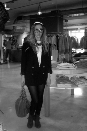 vintage blazer - vintage t-shirt - Urban Outfitters accessories - vintage access