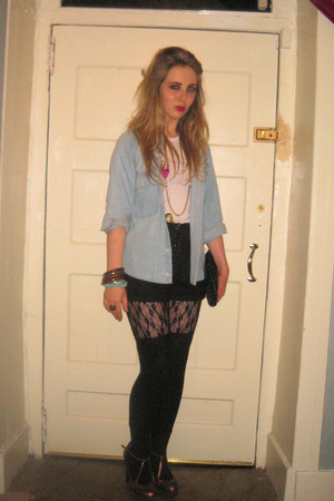 vintage shirt - Urban Outfitters t-shirt - Topshop leggings - Topshop shorts - T