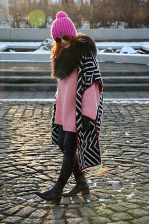 Zara cape - vagabond boots - Ray Ban sunglasses - vest