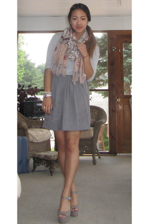 pink H&M scarf - heather gray Forever 21 shirt - heather gray ann taylor skirt