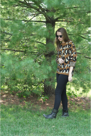 Steve Madden boots - Urban Outfitters sweater - Urban Outfitters sunglasses