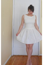 white Michelle DeCourcy dress