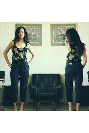 black GINA TRICOT top - black vintage from Bee Gee pants