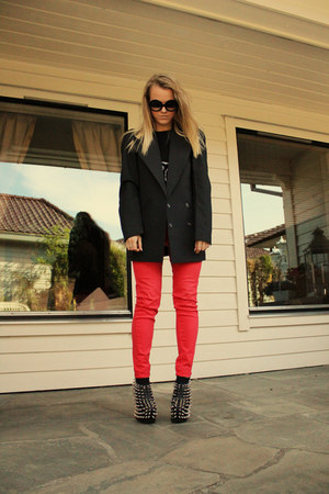 black Jeffrey Campbell shoes - coral Cubus jeans