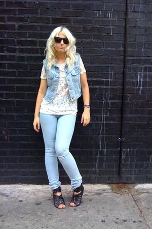 vintage levis vest - Urban Outfitters t-shirt - Silence & Noise jeans - Dolce Vi