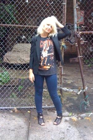 vintage jacket - vintage ACDC t-shirt - jeans - Dolce Vita Reno shoes