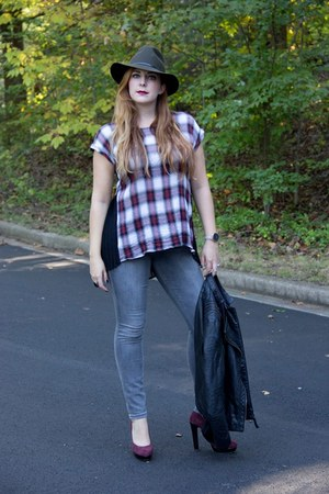 brick red plaid Bobeau top - heather gray skinny jeans rachel roy jeans