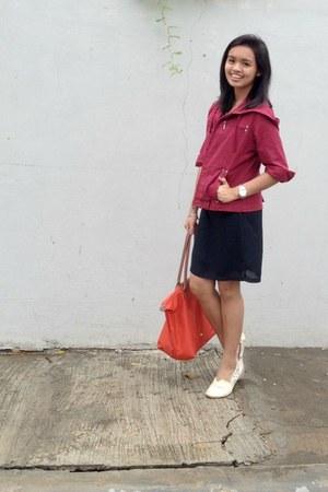 black dress - brick red jacket - tawny longchamp bag - light yellow flats