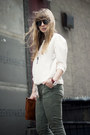 Vintage-bag-topshop-boots-zerouv-sunglasses-vintage-necklace-zara-top