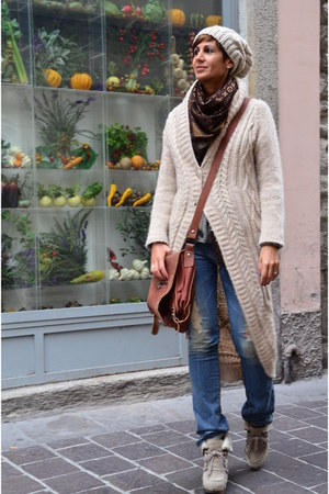 Dixie cardigan - Guess jeans - Louis Vuitton scarf - Guess clogs