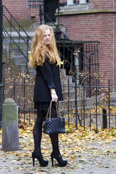 black karl lagerfeld for h&m blazer - black Chanel bag