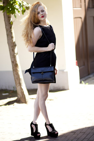 black Zara dress - black vintage bag - black Topshop wedges