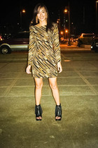 gold Glitterati dress - black Forever 21 shoes - gold glam accessories