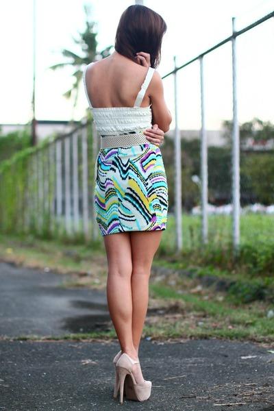 white Style Staple top