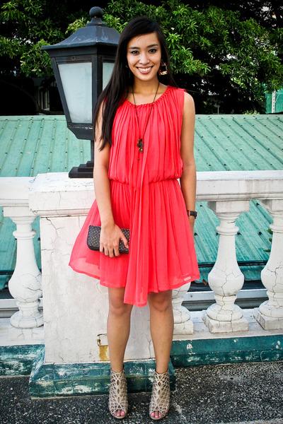 pink Tango dress - beige random from Hong Kong shoes - black Zara purse