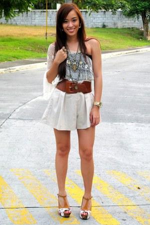 brown Soulier shoes - beige paper bag Trunk Show shorts - brown wide belt - beig