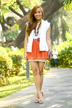 orange pleated chill skirt