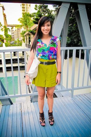 purple Topshop top - green random brand shorts - brown bought online shoes - bla
