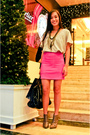 Gray-bench-shirt-pink-skirt-gray-online-shoes-black-cmg-accessories-gray
