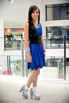 blue random brand dress - black Glitterati belt - blue Forever 21 shoes - white
