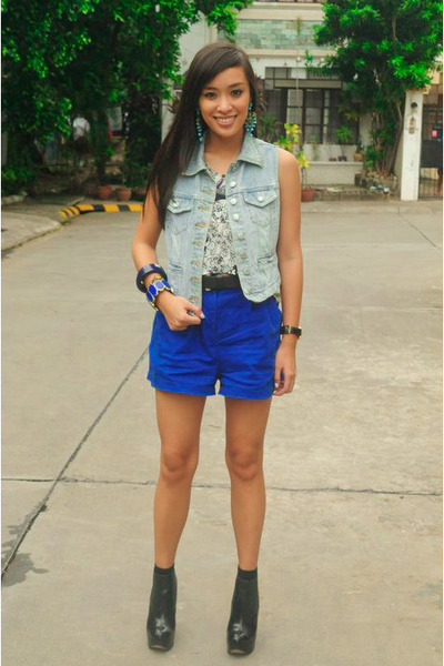 blue denim vest random brand vest - black topshop boots shoes - blue shorts