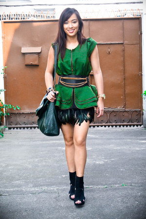 green feather Forever 21 skirt - black heels Forever 21 shoes