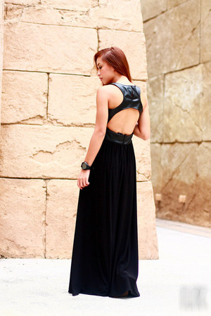 black StylistaPh dress