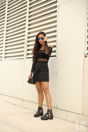 black Topshop skirt