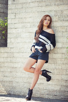 black Zara sweater - black boots Topshop shoes - black Zara shorts