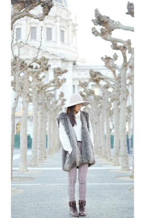 heather gray Zara vest