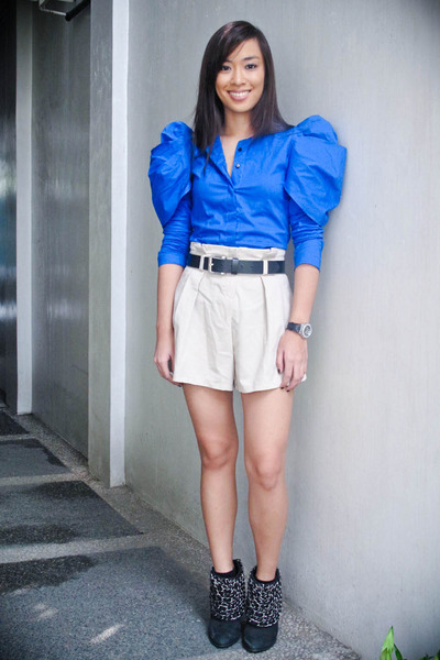 blue The Ramp top - beige Turnk show shorts - black Zara shoes