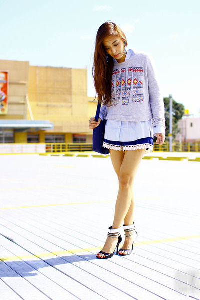 heather gray Forever 21 sweater