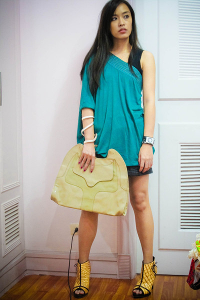 green Zara top - black NafNaf shorts - gold online shoes - beige Charles and Kei